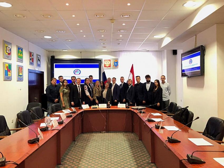 Cостоялась встреча молодых парламентариев регионального и федерального уровней